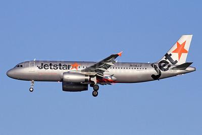 Jetstar (Japan) Airbus A320-232 JA03JJ (msn 5161) NRT (Michael B. Ing). Image:910295.