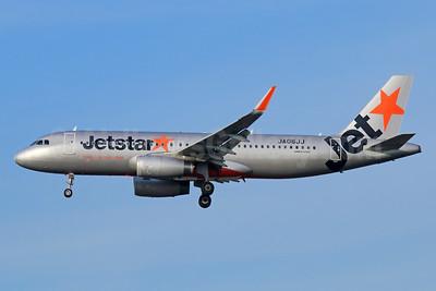Jetstar (Japan) Airbus A320-232 WL JA06JJ (msn 5281) NRT (Michael B. Ing). Image: 940426.