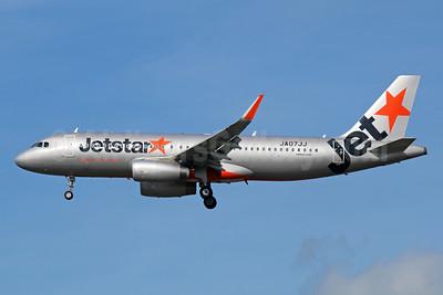 Jetstar (Japan) Airbus A320-232 WL JA07JJ (msn 5355) NRT (Michael B. Ing). Image: 940427.