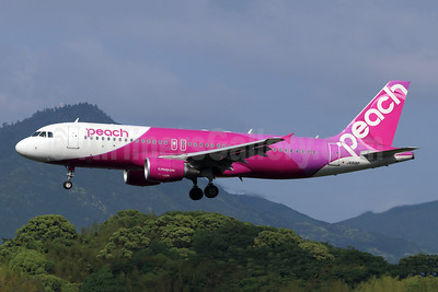 Peach Aviation (Japan) Airbus A320-214 JA818P (msn 7370) FUK (Michael B. Ing). Image: 954218.