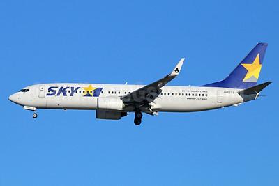 SKY-Skymark Airlines Boeing 737-8Q8 WL JA737T (msn 35290) NRT (Michael B. Ing). Image: 923663.