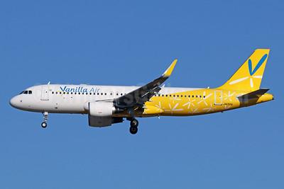 Vanilla Air Airbus A320-214 WL JA13VA (msn 7816) NRT (Michael B. Ing). Image: 940417.