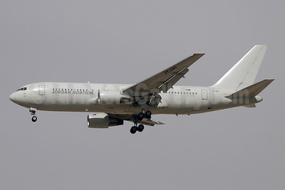 Jordan Aviation Boeing 767-204 ER JY-JAI (msn 24736) (Silverjet colors) DXB (Paul Denton). Image: 909582.