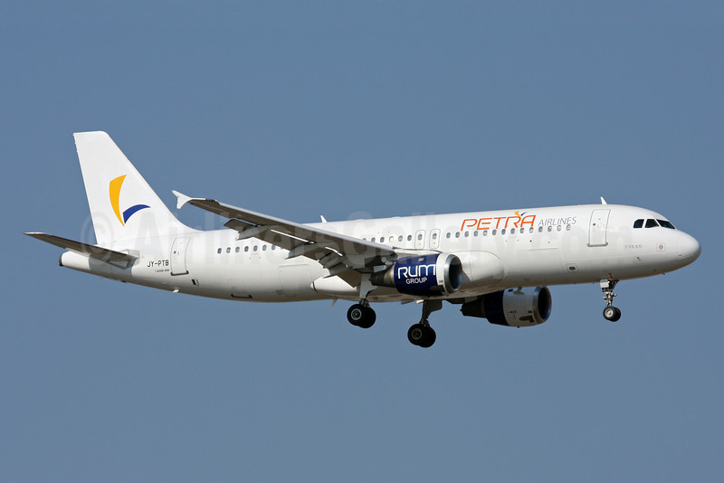 Petra Airlines Airbus A320-212 JY-PTB (msn 537) AYT (Andi Hiltl). Image: 910356.