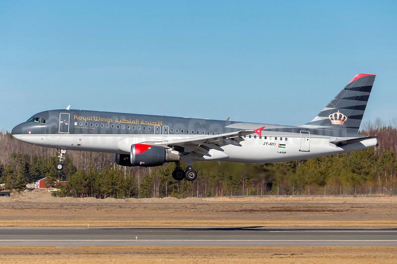 Royal Wings Airbus A320-212 JY-AYI (msn 569) AYT (Ton Jochems). Image: 905449.