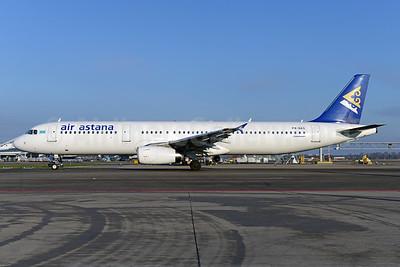 Air Astana Airbus A321-231 P4-NAS (msn 1042) AMS (Ton Jochems). Image: 925591.