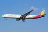 Asiana Airlines Airbus A330-323 HL7792 (msn 1001) SHA (Yuji Wang). Image: 910895.