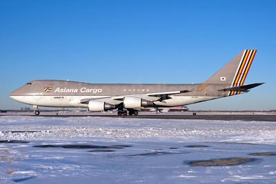 Asiana Cargo (Asiana Airlines) Boeing 747-48EF HL7420 (msn 25783) JFK (Fred Freketic). Image: 950184.
