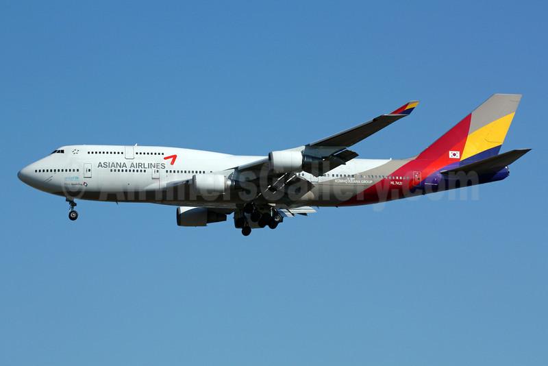 Asiana Airlines Boeing 747-48E HL7421 (msn 25784) NRT (Michael B. Ing). Image: 901357.