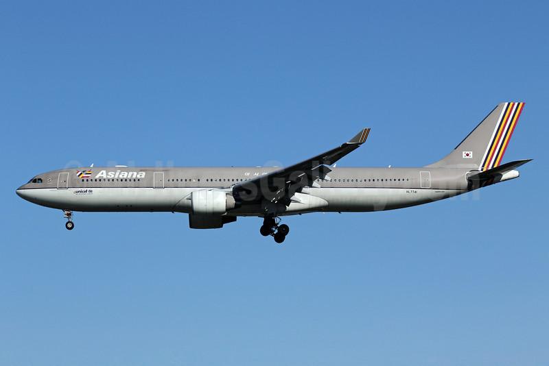 Asiana Airlines Airbus A330-323 HL7741 (msn 708) PEK (Michael B. Ing). Image: 910886.