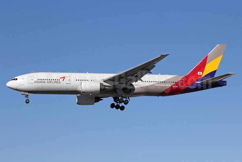 Asiana Airlines Boeing 777-28E ER HL7742 (msn 29171) LAX (Michael B. Ing). Image: 912851.