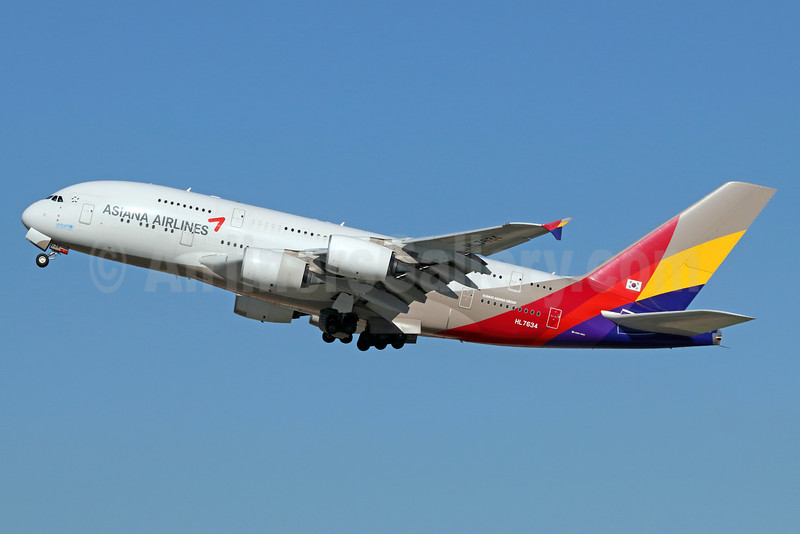 Asiana Airlines Airbus A380-841 HL7634 (msn 179) LAX (Michael B. Ing). Image: 936161.