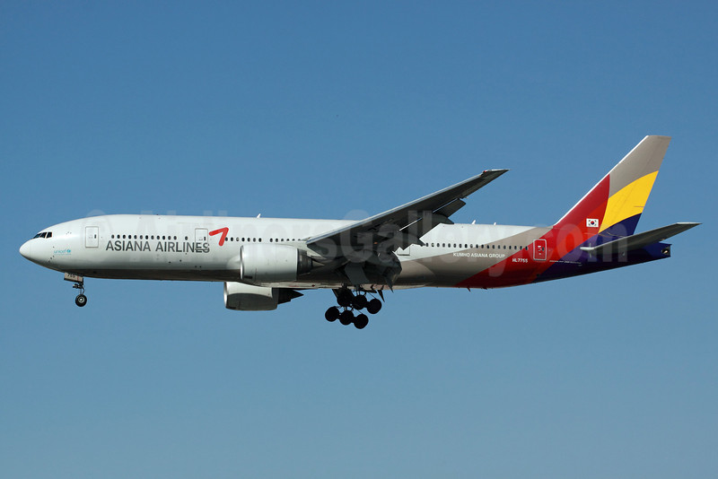Asiana Airlines Boeing 777-28E ER HL7755 (msn 30861) LAX (Michael B. Ing). Image: 912837.