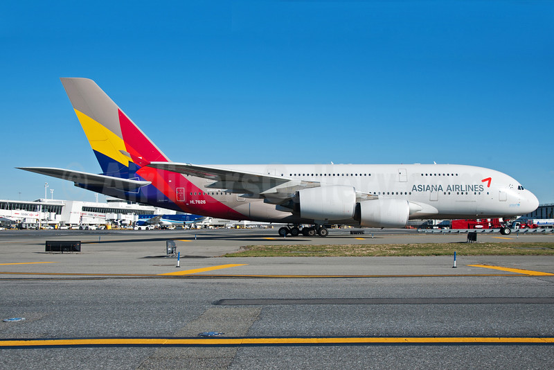 Asiana Airlines Airbus A380-841 HL7626 (msn 155) JFK (Fred Freketic). Image: 935511.