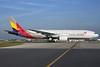 Asiana Airlines Boeing 777-28E ER HL7756 (msn 30860) LHR (Antony J. Best). Image: 901140.