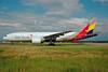 Asiana Airlines Boeing 777-28E ER HL7596 (msn 28681) FRA (Bernhard Ross). Image: 900469.