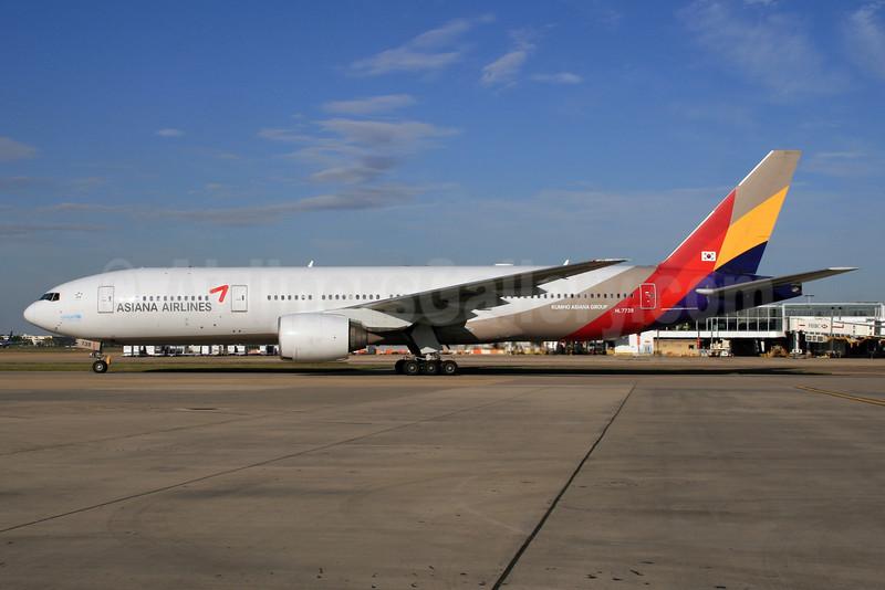 Asiana Airlines Boeing 777-28E ER HL7739 (msn 29175) LHR (SPA). Image: 928046.