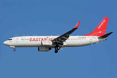 Eastar Jet (eastarjet.com) Boeing 737-86J WL HL8264 (msn 28068) ICN (Richard Vandervord). Image: 930063.
