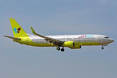 Jin Air Boeing 737-86N WL HL7563 (msn 28636) BKK (Richard Vandervord). Image: 924489.