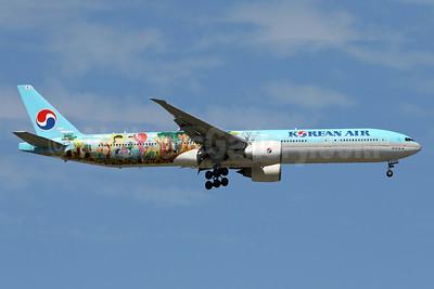 Korean Air Boeing 777-3B5 ER HL8275 (msn 37651) (8th Children's Drawing) IAD (Brian McDonough). Image: 938383.