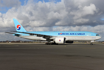 Korean Air Cargo Boeing 777-FB5 HL8046 (msn 62696) AMS (Ton Jochems). Image: 937092.