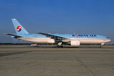 Korean Air Boeing 777-2B5 ER HL7766 (msn 34213) (Christian Volpati Collection). Image: 934441.