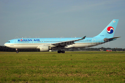 Korean Air Airbus A330-223 HL7552 (msn 258) AMS (TMK Photography). Image: 913550.