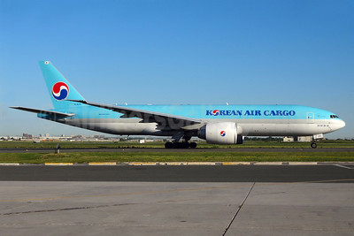 Korean Air Cargo Boeing 777-FB5 HL8251 (msn 37639) YYZ (TMK Photography). Image: 937093.