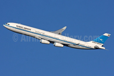 Kuwait Airways Airbus A340-313 9K-ANC (msn 101) LHR (SPA). Image: 939834.