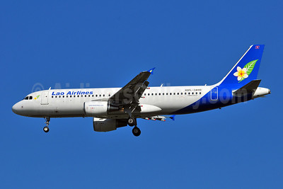 Lao Airlines Airbus A320-214 RDPL-34199 (msn 4639) BKK (Ken Petersen). Image: 908752.