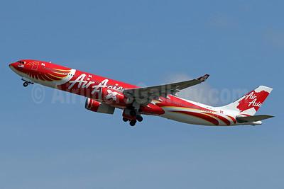 AirAsia X (AirAsia.com) Airbus A330-343 F-WWKD (9M-XXT) (msn 1549) (Xcintilating PhoeniX) DPS (Pascal Simon). Image: 942486.