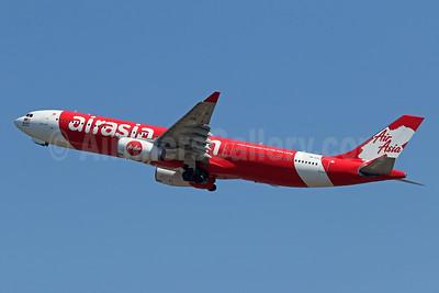 AirAsia X (AirAsia.com) Airbus A330-343 9M-XXC (msn 1048) DPS (Pascal Simon). Image: 942316.