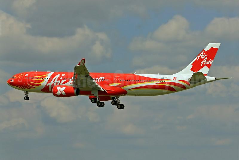 AirAsia X (AirAsia.com) Airbus A330-343 F-WWKD (9M-XXT) (msn 1549) (Xcintilating PhoeniX) TLS (Eurospot). Image: 923818.