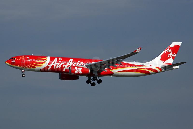 AirAsia X (AirAsia.com) Airbus A330-343 F-WWKD (9M-XXT) (msn 1549) (Xcintilating PhoeniX) ICN (Rob Finlayson). Image: 924999.