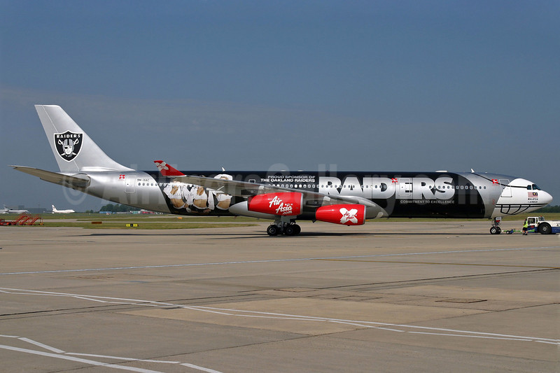 AirAsia X (AirAsia.com) Airbus A340-313 9M-XAC (msn 278) (Oakland Raiders-right side) STN (Pedro Pics). Image: 903212.