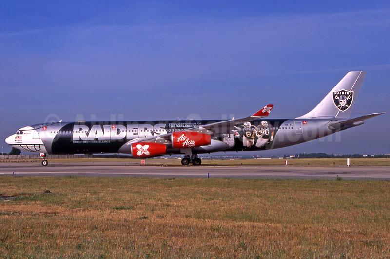 AirAsia X (AirAsia.com) Airbus A340-313 9M-XAC (msn 278) (Oakland Raiders-left side) ORY (Pepscl). Image: 903212.