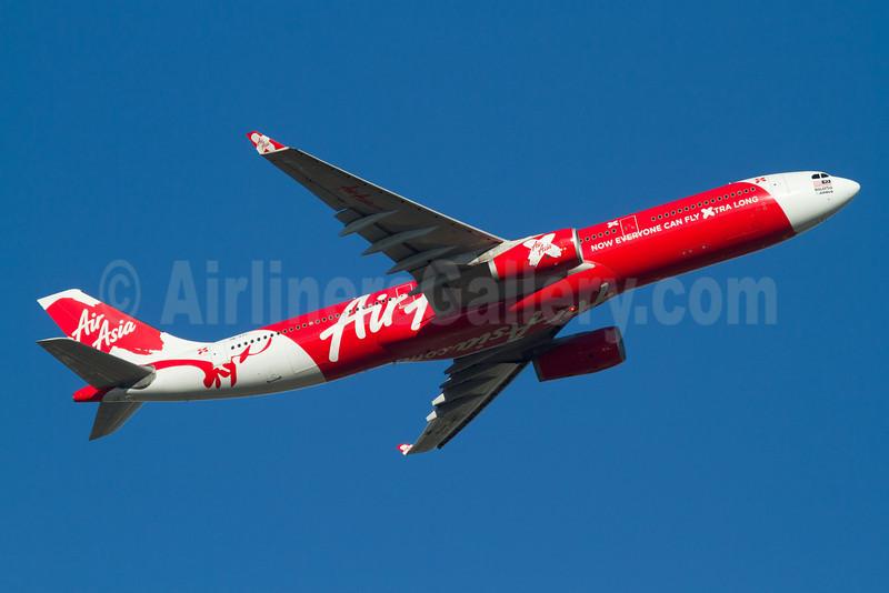 AirAsia X (AirAsia.com) Airbus A330-343 9M-XXC (msn 1048) PER (Micheil Keegan). Image: 907833.