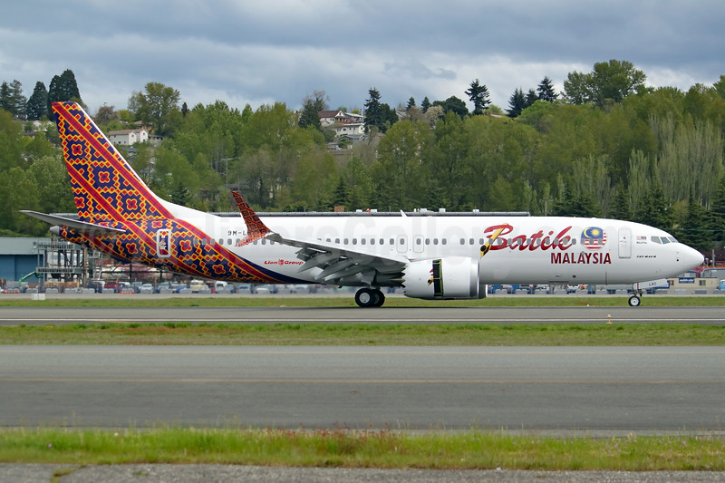 Batik Malaysia becomes the first operator of the Boeing 737 MAX 8, introduced the new type on May 22, 2017