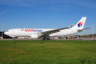 MASkargo (Malaysia Airlines) Airbus A330-223F 9M-MUA (msn 1136) AMS (Ton Jochems). Image: 907354.