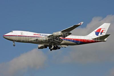 MASkargo (Malaysia Airlines) Boeing 747-4H6F 9M-MPR (msn 28434) STN (Keith Burton). Image: 900998.