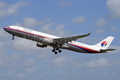 Malaysia Airlines Airbus A330-322 9M-MKA (msn 067) DPS (Michael B. Ing). Image: 924236.