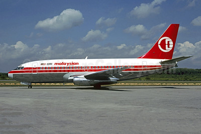 Malaysian Airline System (MAS) Boeing 737-2H6 9M-MBJ (msn 953447) KUL (Christian Volpati Collection). Image: 953447.