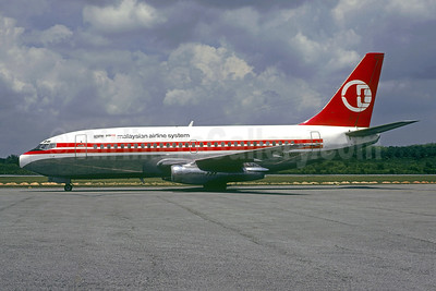 Malaysian Airline System (MAS) Boeing 737-2H6 9M-MBH (msn 20926) KUL (Martin Hornlimann - Christian Volpati Collection). Image: 953445.