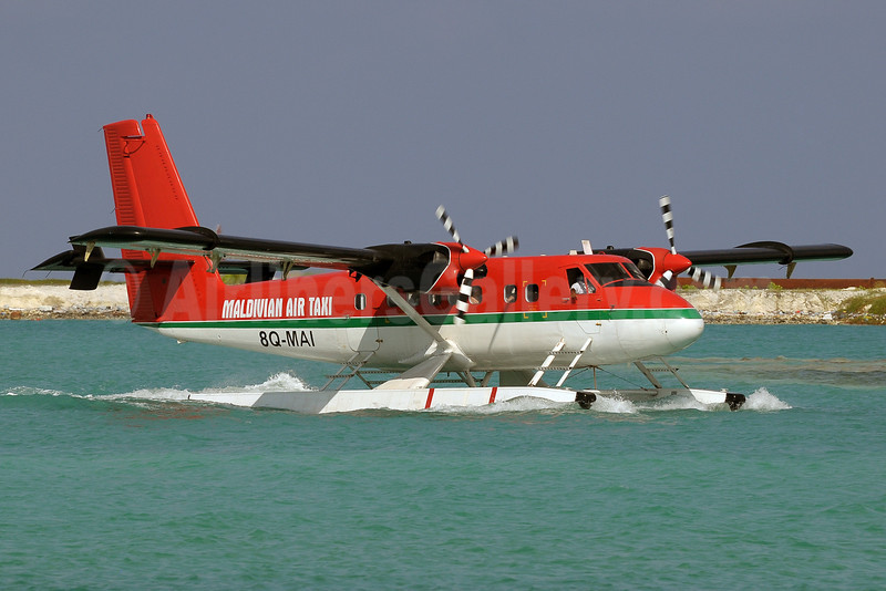 Maldivian Air Taxi de Havilland Canada DHC-6-300 Twin Otter 8Q-MAI (msn 279) MLE (Paul Denton). Image: 911835.