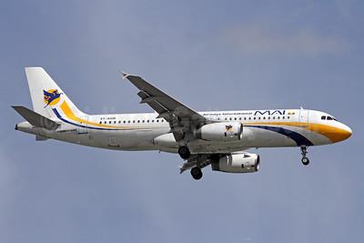 MAI-Myanmar Airways International Airbus A320-231 XY-AGM (msn 295) SIN (Michael B. Ing). Image: 907729.