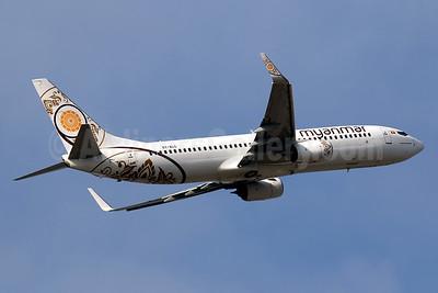 Myanmar National Airlines Boeing 737-86N WL XY-ALC (msn 43407) HKG (Javier Rodriguez). Image: 936159.