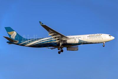 Oman Air Airbus A330-343 A40-DJ (msn 1599) MAN (Rob Skinkis). Image: 937800.