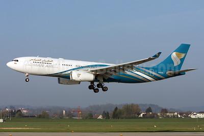 Oman Air Airbus A330-243 A40-DA (msn 1038) ZRH (Andi Hiltl). Image: 912195.