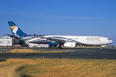 Oman Air Airbus A330-343 A40-DI (msn 1582) CDG (Jacques Guillem). Image: 935123.