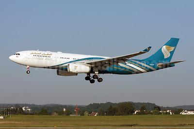Oman Air Airbus A330-243 A40-DF (msn 1120) ZRH (Andi Hiltl). Image: 908401.